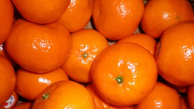 Mandarin in the fruit bowl